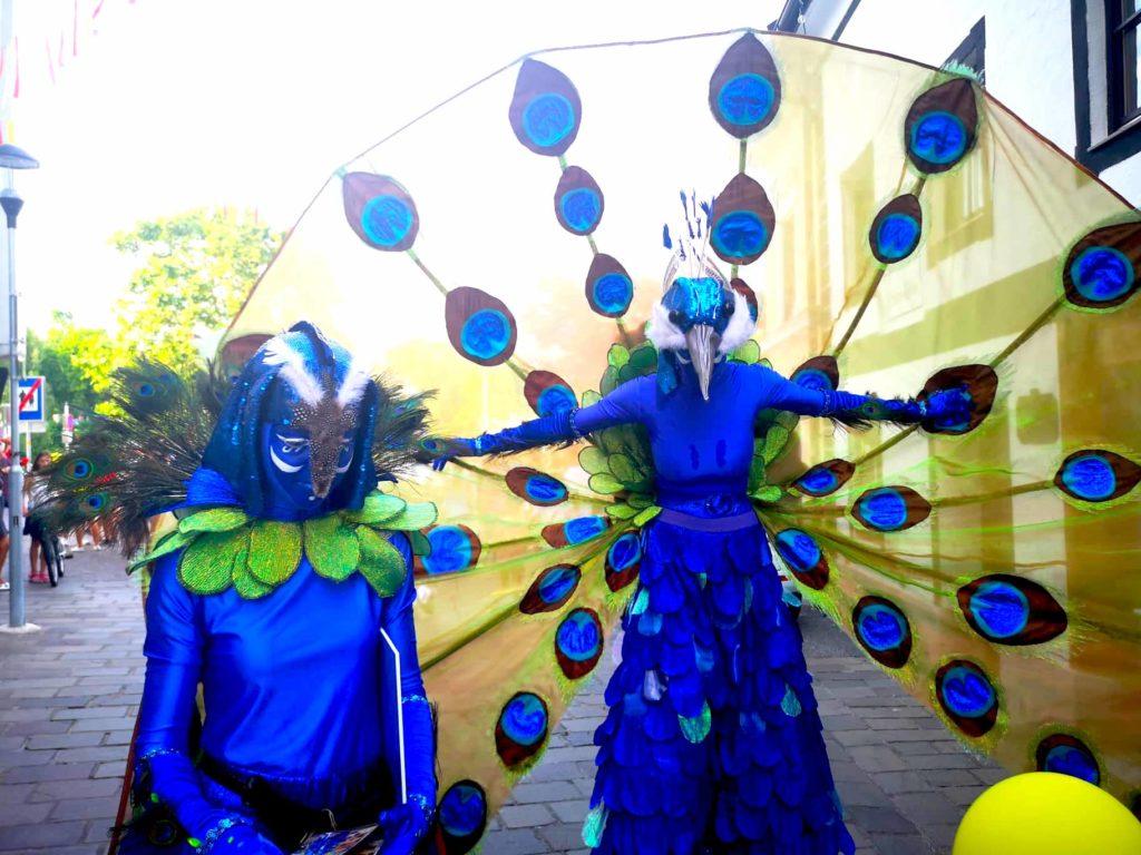 Großartiger Auftakt des Straßenkunst-festivals
