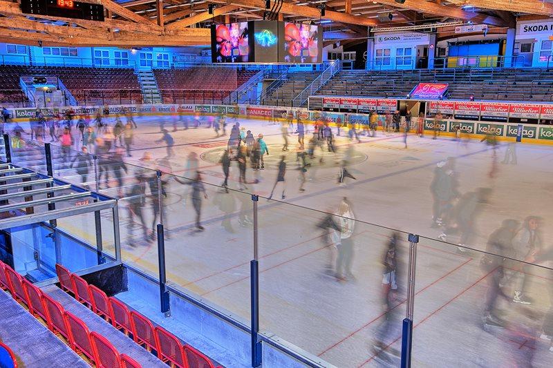 Eisdisco in der Stadthalle startet in neue Saison