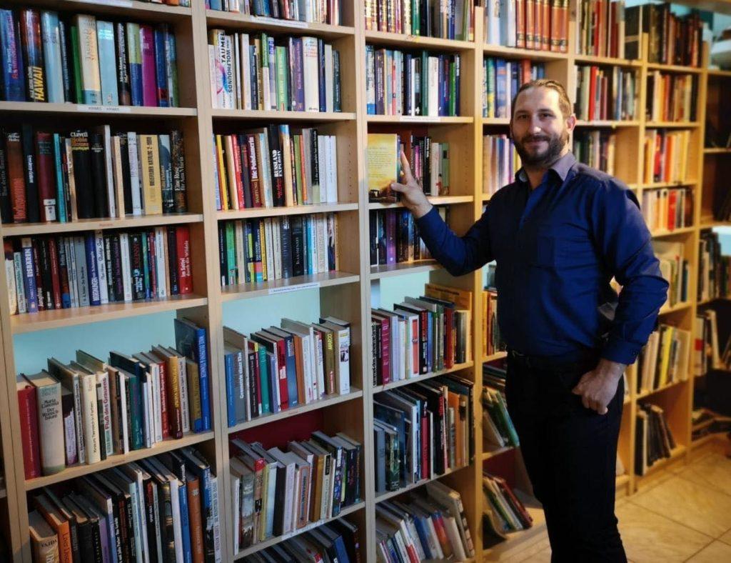 Christopher Slug stellt kostenlos Bücher zur Verfügung