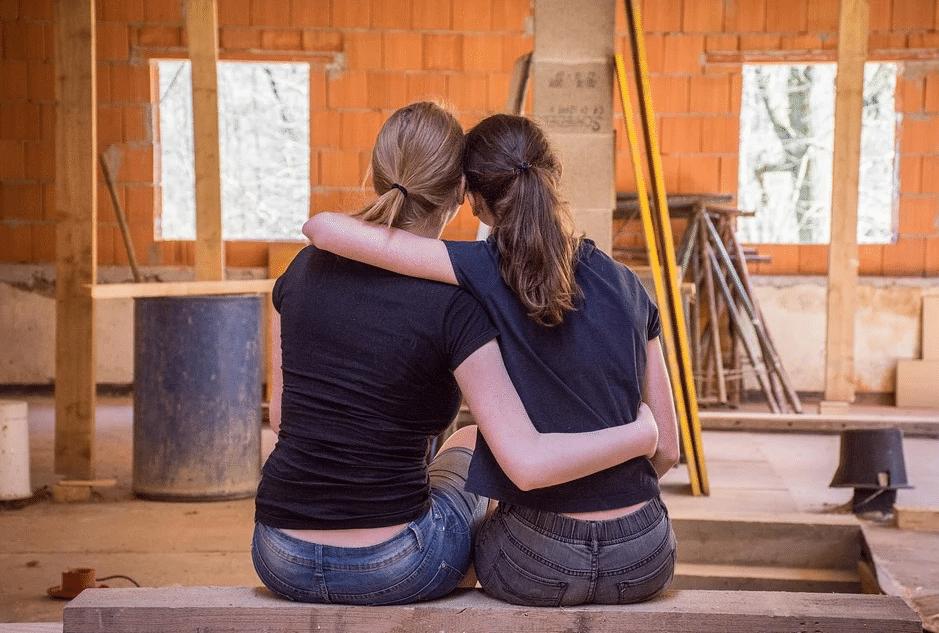 Firma LOTUSAN findet Lecks, trocknet und saniert Gebäude