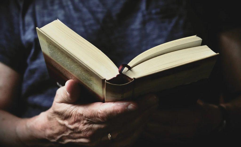 Bücherzustelldienst für Risikogruppen