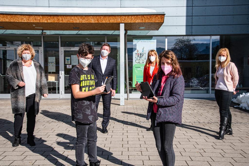 Stadt Villach sorgt für WLAN an Mittelschulen