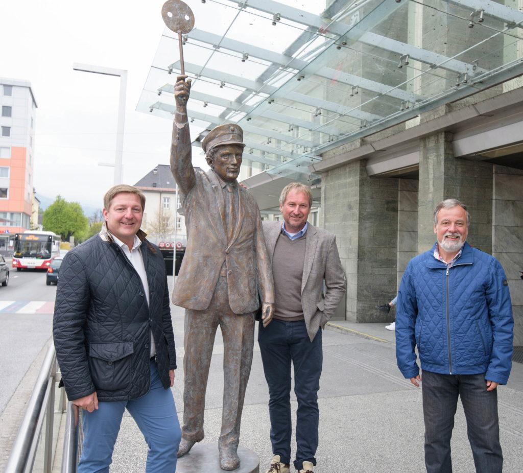 Bronze-Statue als Zeichen der Anerkennung