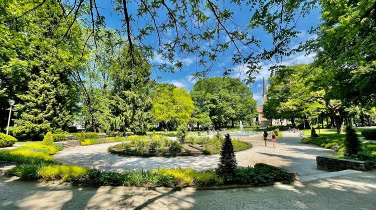 Grüne Oasen: In diesen Parks in Villach kannst du dich entspannen