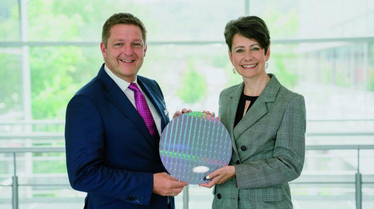 Europaweiter Meilenstein: Infineon eröffnet Chipfabrik